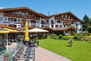 aussenansicht-hotel-sonne-kirchberg-sommer